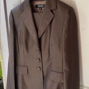 Jasper brown suit